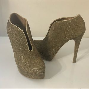 Chinese Laundry Gold Heels 7.5